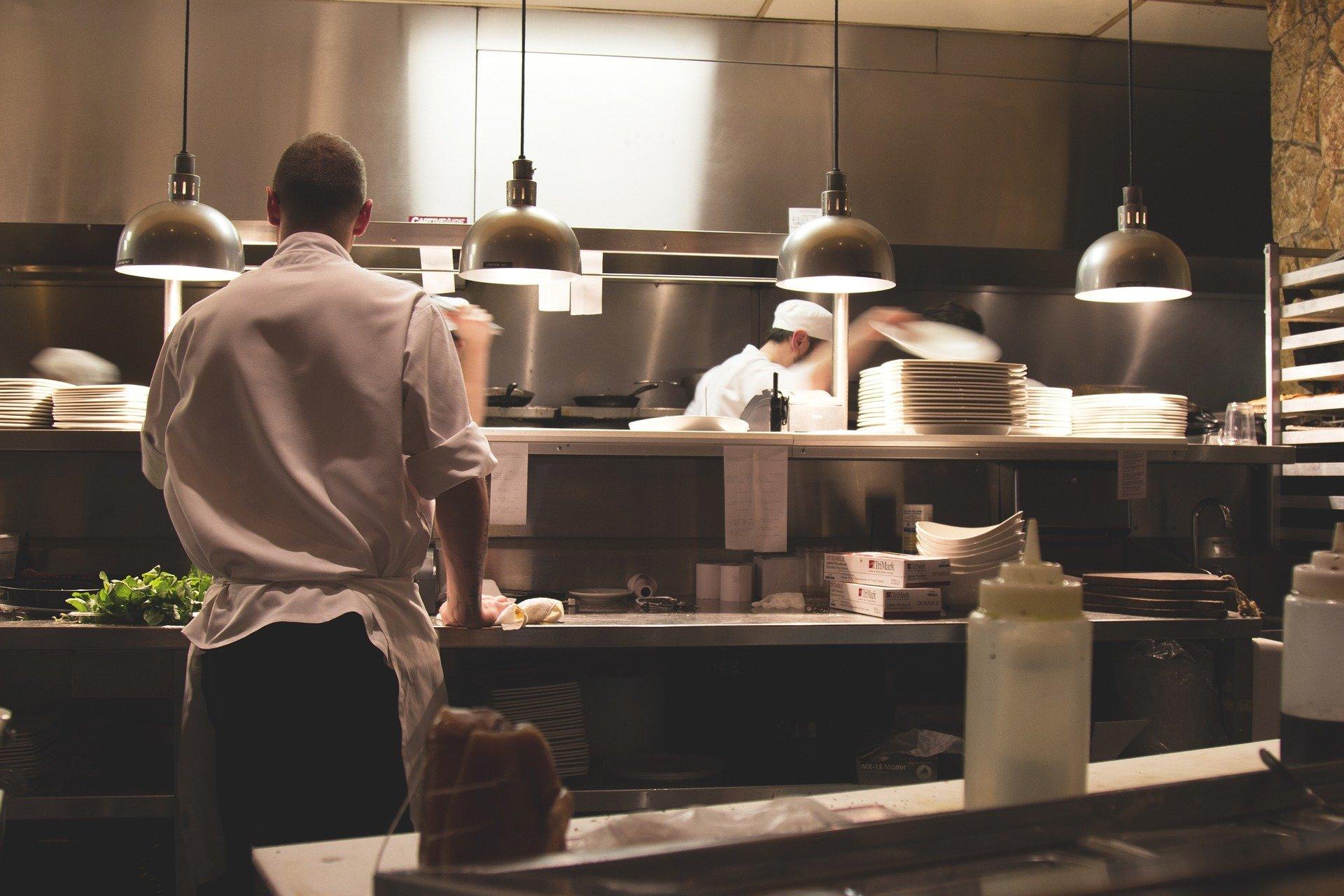 Lavoro straordinario retribuzione, limiti, obblighi e rifiuto