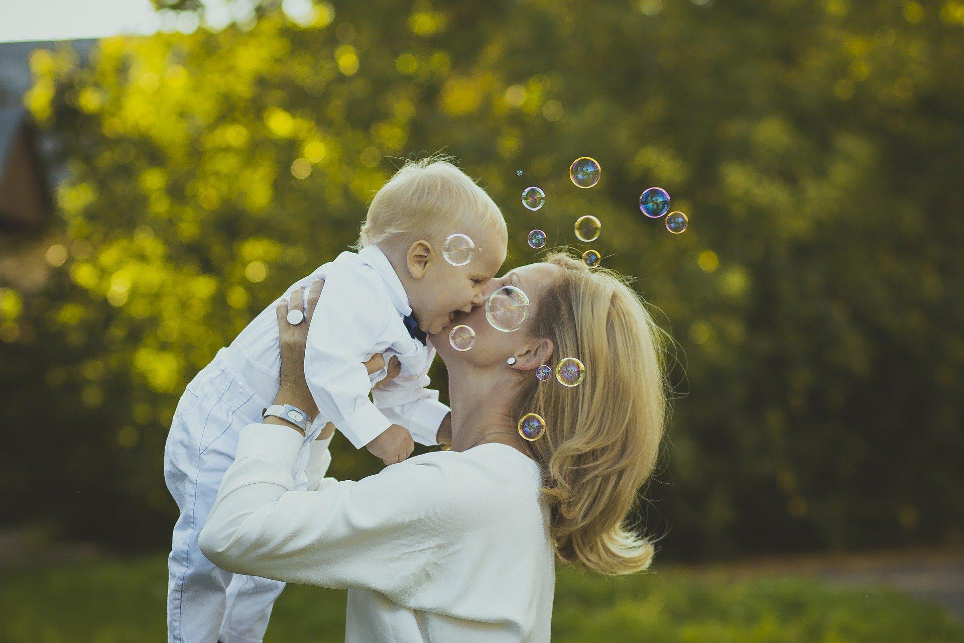 Congedo di maternità, novità astensione e lavoratrici autonome