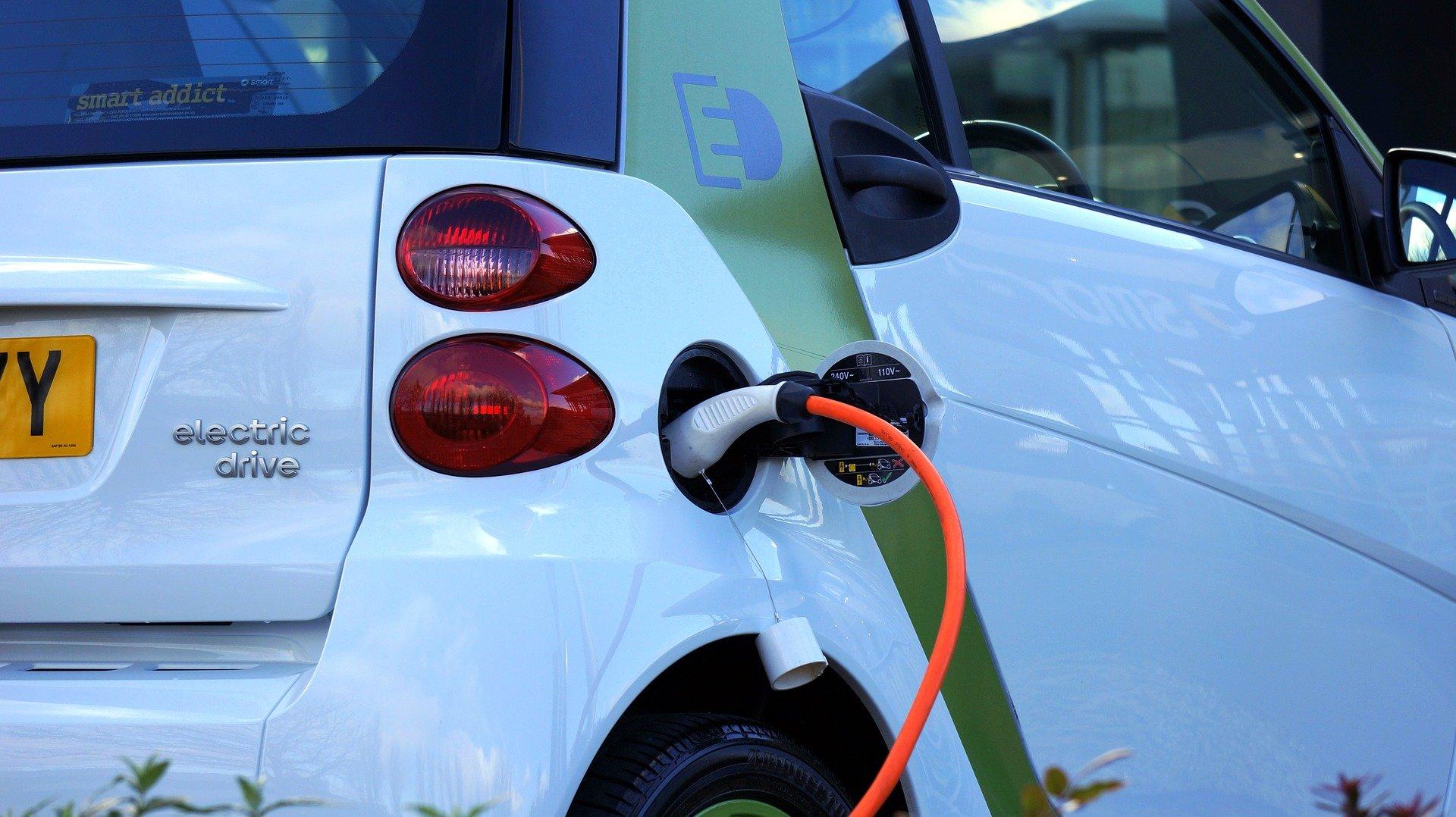 Ecobonus auto ed ecotassa auto: cosa sono e quali sono gli importi