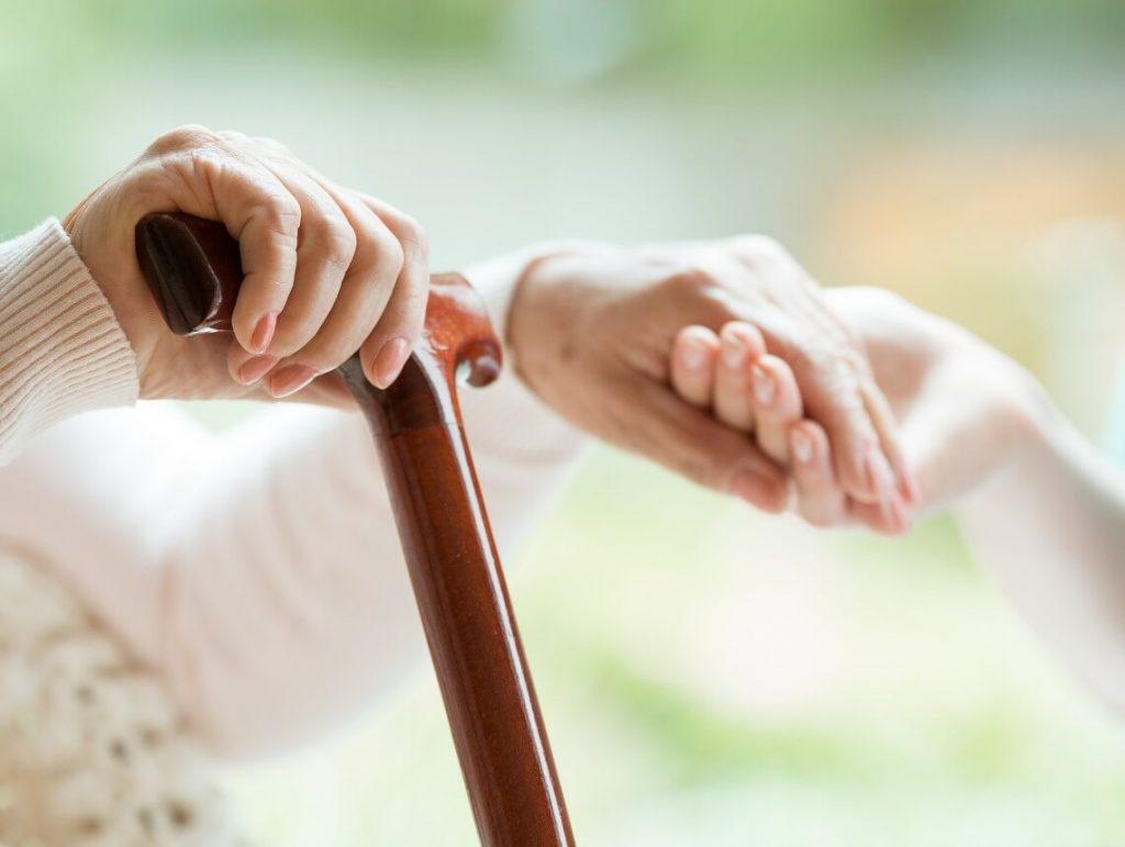 Pensione indiretta: a chi spetta, requisiti, importi, revoca e richiesta
